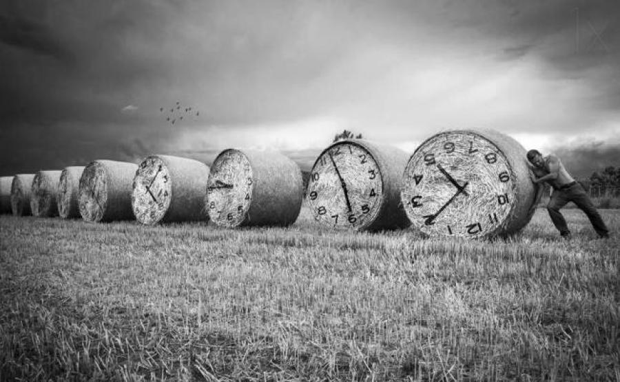 Νέος χρόνος και παρών! του Θανάση Σκαμνάκη