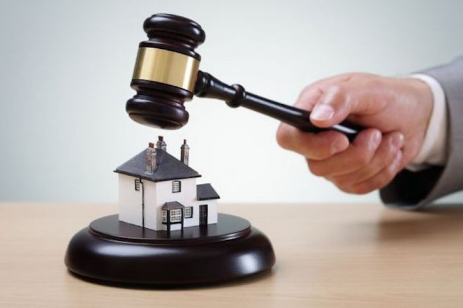 Οι πλειστηριασμοί πρώτης κατοικίας επιστρέφουν …«φύλακες γρηγορείτε»*, της Όλγας Μοσχοχωρίτου